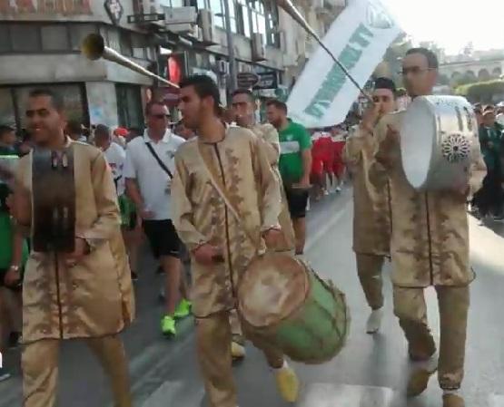 عرض كرنفالي في بوليفار طنجة