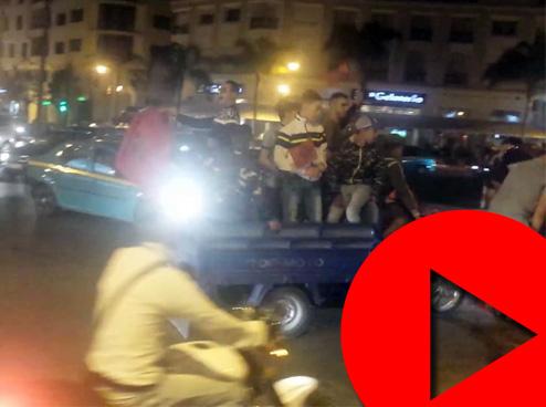 موكب أعلام وهتافات في طنجة