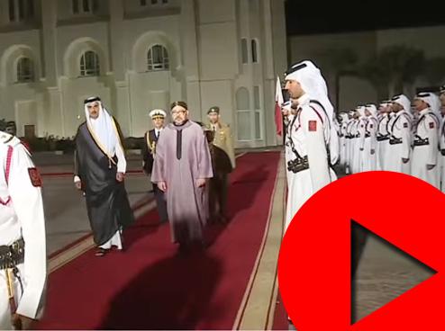 الملك محمد السادس يحل بقطر