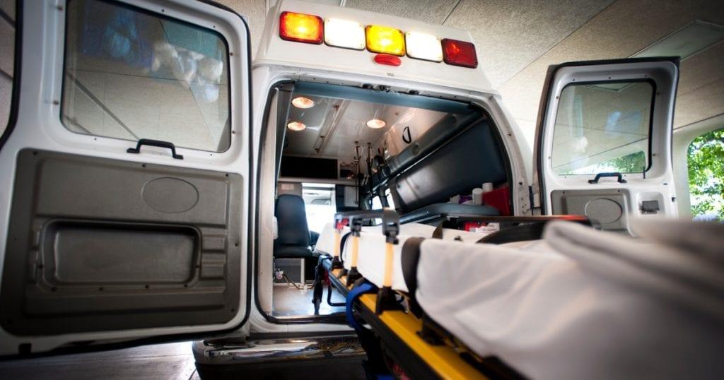 على المرضى دفع ثمن الوقود لنقلهم إلى المستشفى عبر سيارة إسعاف حديثة!